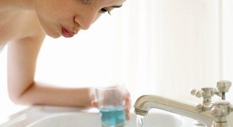 Berkumur dengan Minyak Jaga Kesehatan Mulut dan Gigi?