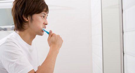 Berdarah Saat Gosok Gigi? Teruslah Menyikat, Jangan Berhenti