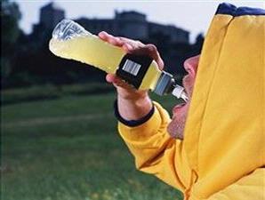 Minuman Energi Bisa Merusak Gigi