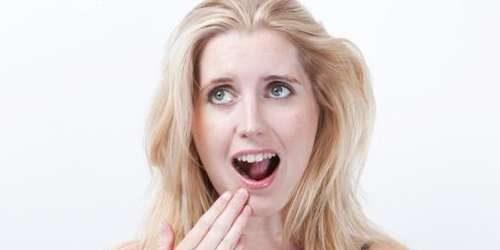 Penyebab Gigi Terkikis Saat Kunyah Makanan Keras